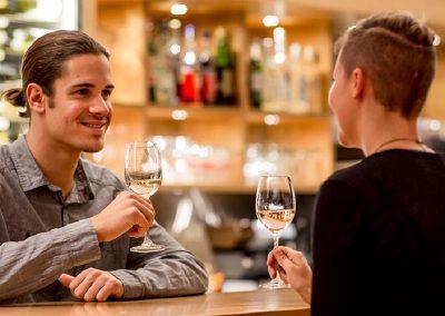 Café & Bar